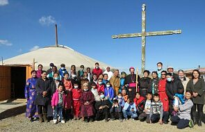 Mongolia: osiem parafii i kreatywne duszpasterstwo