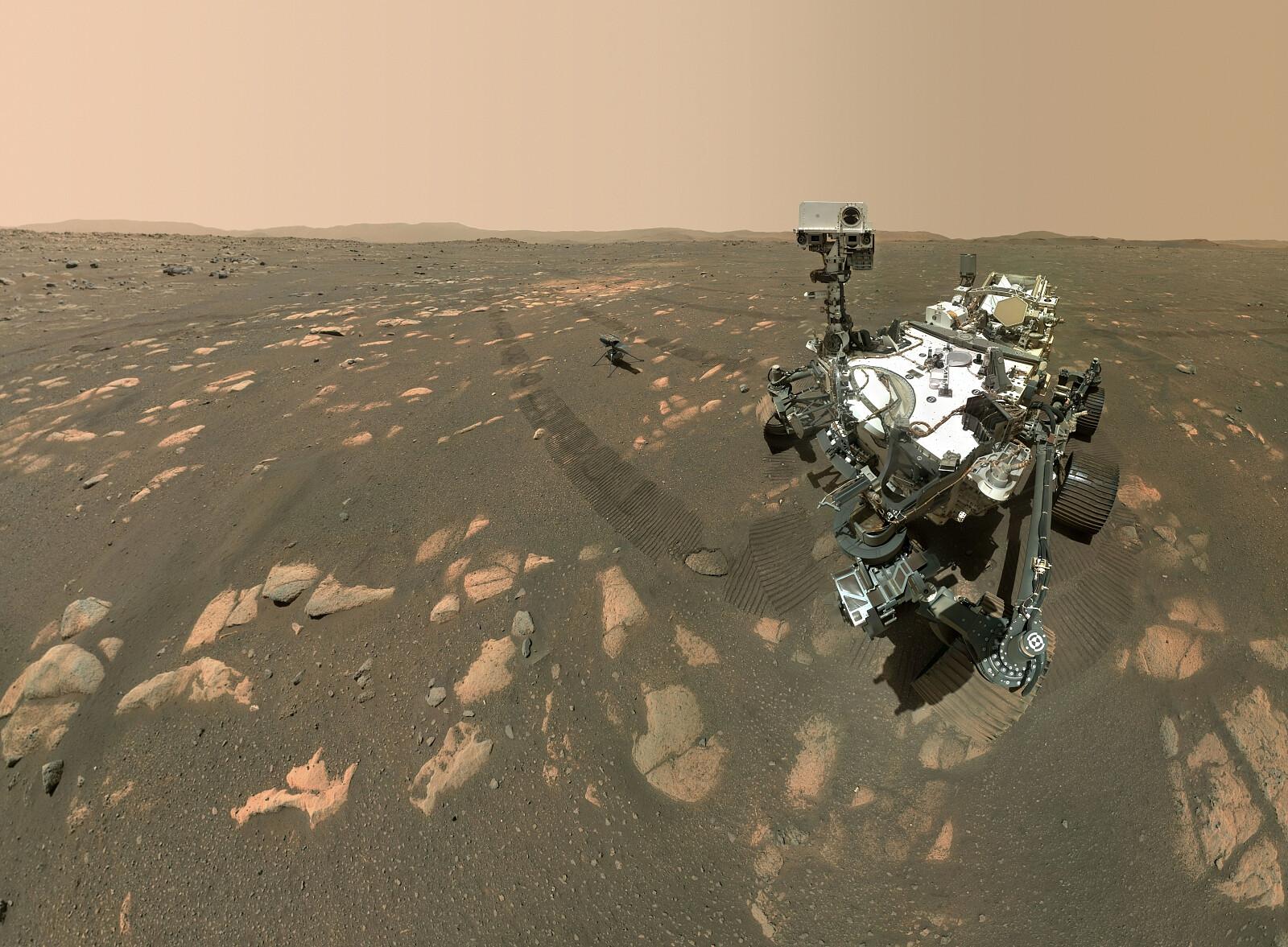 fot. PAP/EPA/NASA/JPL-Caltech/MSSS/HANDOUT / Łazik Perseverance i dron-helikopter Ingenuity