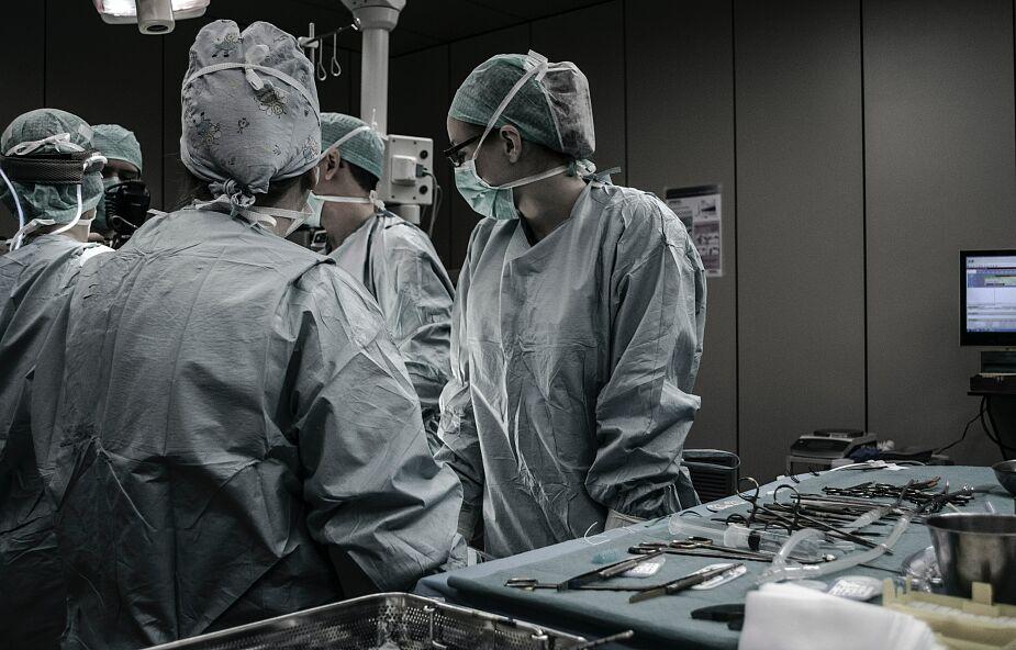 Pierwsza taka transplantacja płuc. Dawcami są żyjące osoby