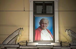 Wspomnienie ostatniej drogi Jana Pawła II. Dziś 16 rocznica pogrzebu