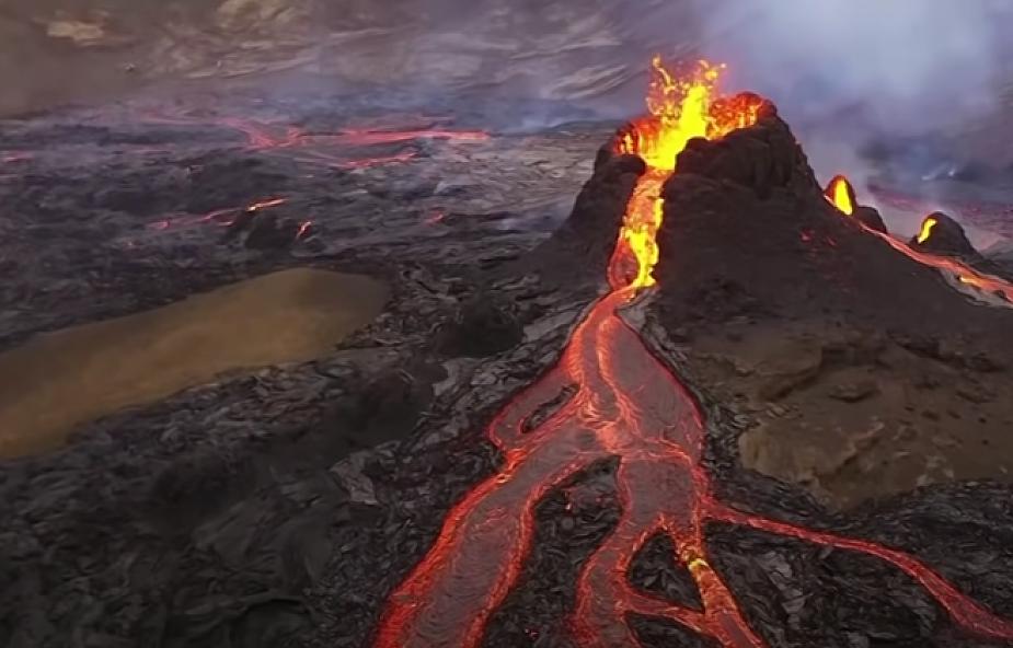 Niesamowity widok.  Na Islandii przypomniał o sobie wulkan