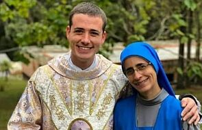 Niecodzienne zdjęcie. Matka i syn oddali swoje życie Bogu