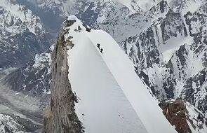 To nagranie zapiera dech w piersiach. Bargiel i Baranowski zjechali ze szczytu Laila Peak