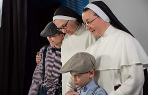 Siostry z Broniszewic: bycie matką to dawanie dziecku czułości i poczucia, że jest kochane
