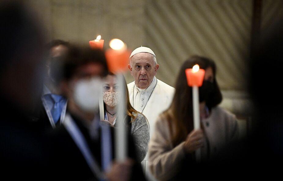 """Papież zachęca do udziału w modlitewnym """"maratonie"""" o ustanie pandemii"""