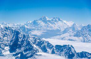 Trudna sytuacja w obozie pod Mount Everest. Co najmniej 100 zakażonych koronawirusem