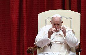 Franciszek modli się za ofiary katastrofy we Włoszech