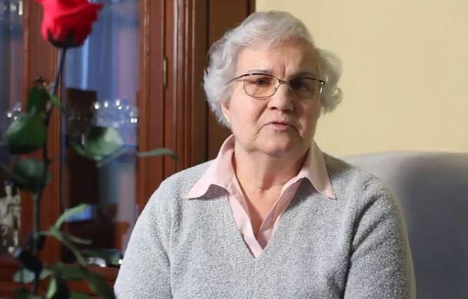 Lidia Maksymowicz, ocalała z Auschwitz, otrzymała w sobotę koszulkę lidera Giro d'Italia