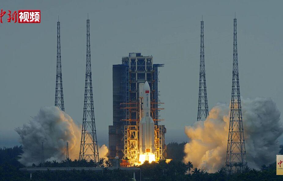 Jutro szczętki chińskiej rakiety spadną na Ziemię. Nie można wykluczyć, że uderzą w ląd