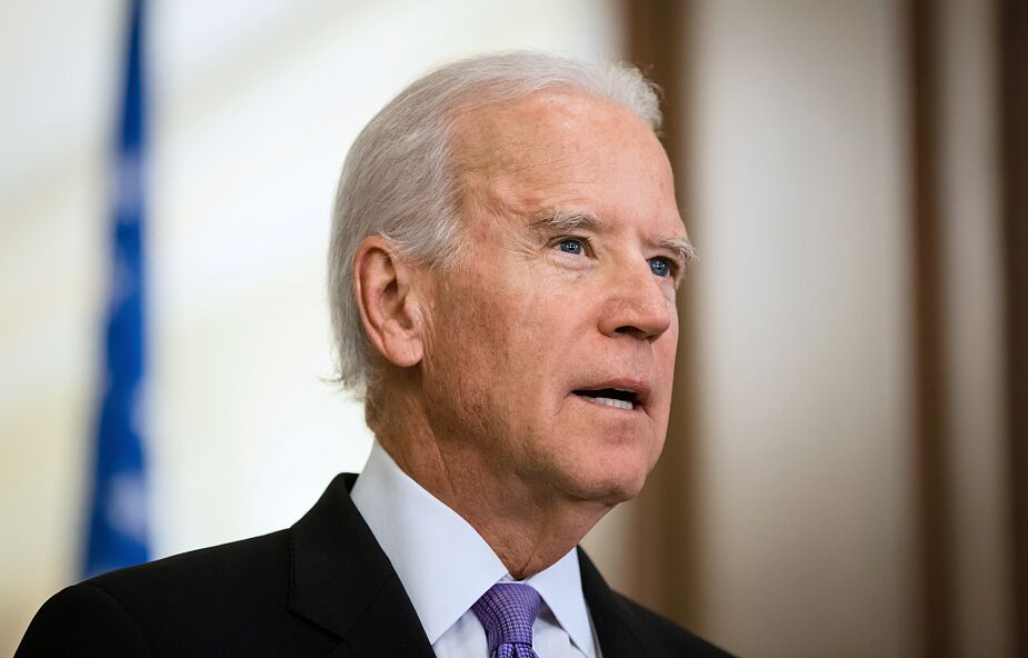 Joe Biden poparł zniesienie praw własności intelektualnej do szczepionek przeciwko COVID-19