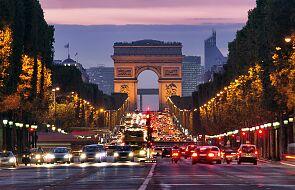 Katolicy chcieli uczcić męczenników Komuny Paryskiej. Zostali napadnięci przez lewicowe bojówki