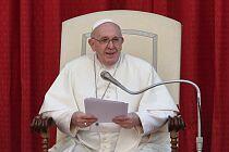 """Franciszek: """"Niech Serce Jezusa poruszy serca nas wszystkich""""."""