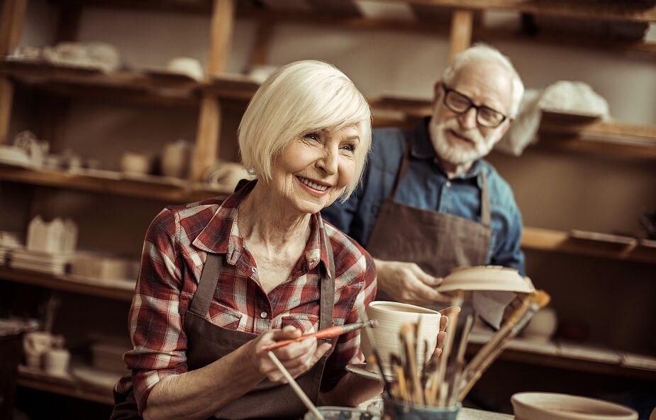Polacy po 60. roku życia chcą pracować, ale udaje się to tylko co szóstej osobie w tym wieku