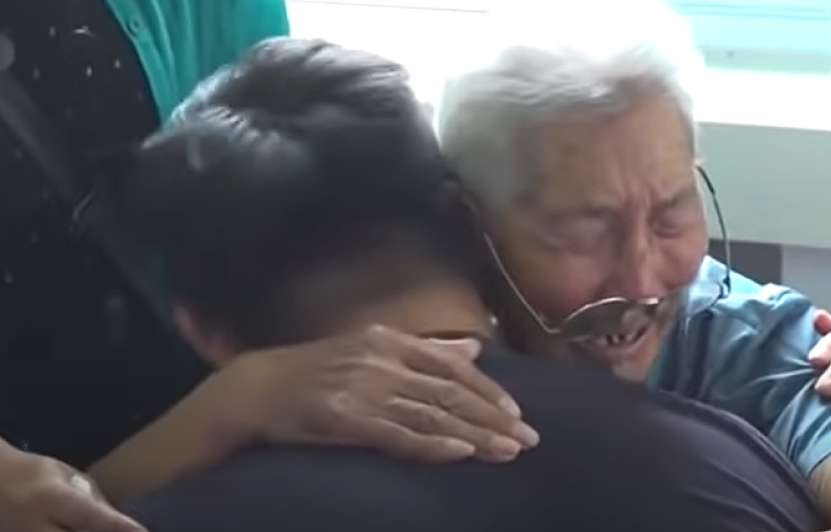 Niezwykłe spotkanie ojca i uprowadzonego przez porywaczy syna. Zobaczyli się po 58 latach