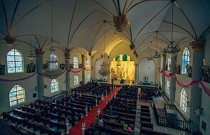 USA. Dlaczego biskupi zajmują się przyjmowaniem Komunii św. przez polityków?