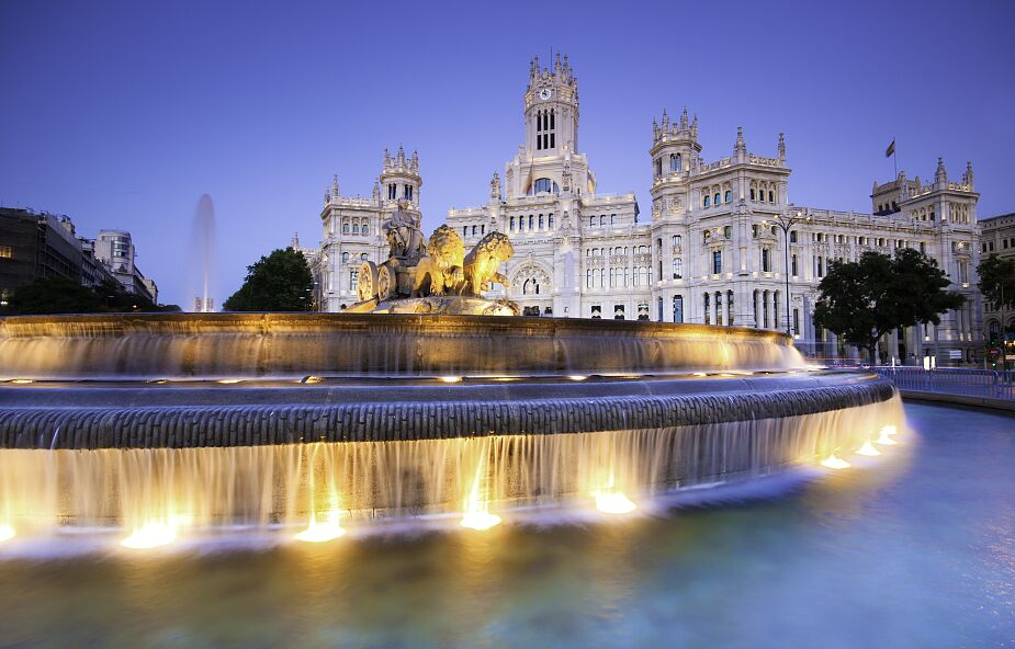 Polacy mogą podróżować do Hiszpanii bez dokumentów potwierdzających brak COVID-19