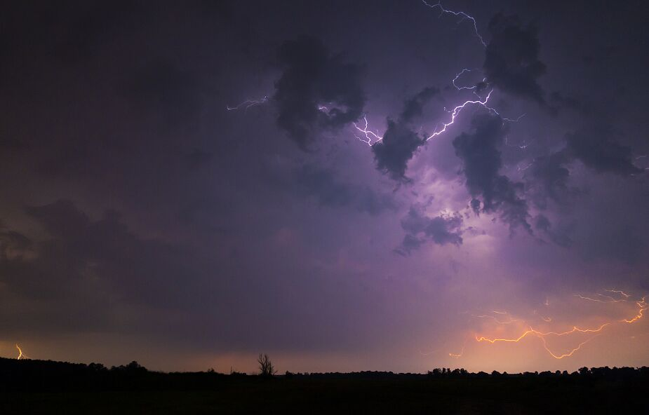 Załamanie pogody. Intensywne opady deszczu i burze