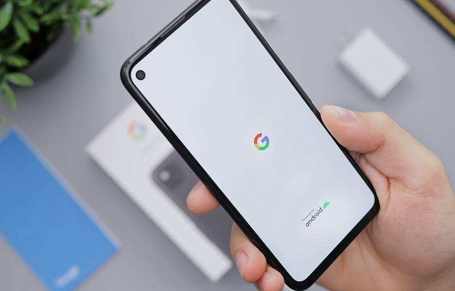 Od rana telefony z Androidem pokazują dziwny komunikat. Jak się go pozbyć?