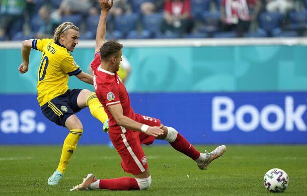 Polacy odpadają z Euro 2020. Biało - Czerwoni przegrali ze Szwecją