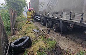 Piorun uderzył w ciężarówkę, doprowadzając do wybuchu