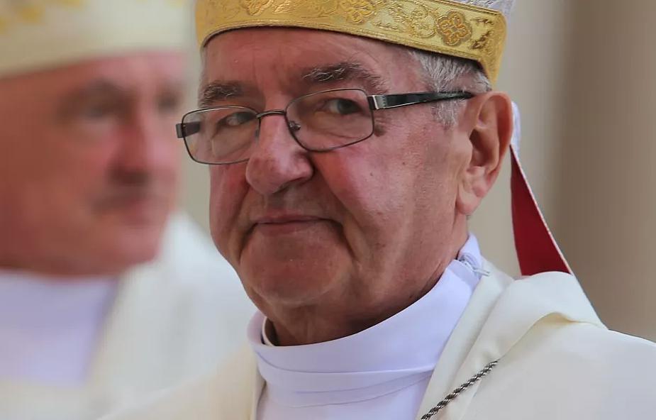 Ukarany przez Watykan abp Sławoj Leszek Głódź został sołtysem