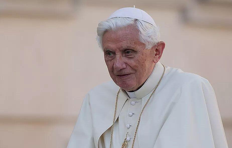 """Benedykt XVI przeciwny """"małżeństwom homoseksualnym"""""""
