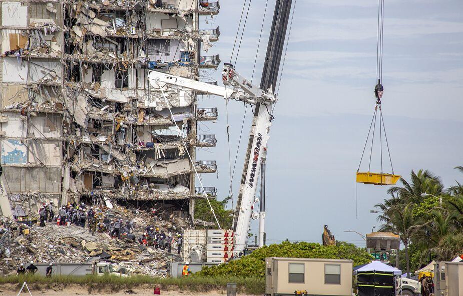 Odnaleziono ciała czterech kolejnych ofiar zawalenia się apartamentowca na Florydzie