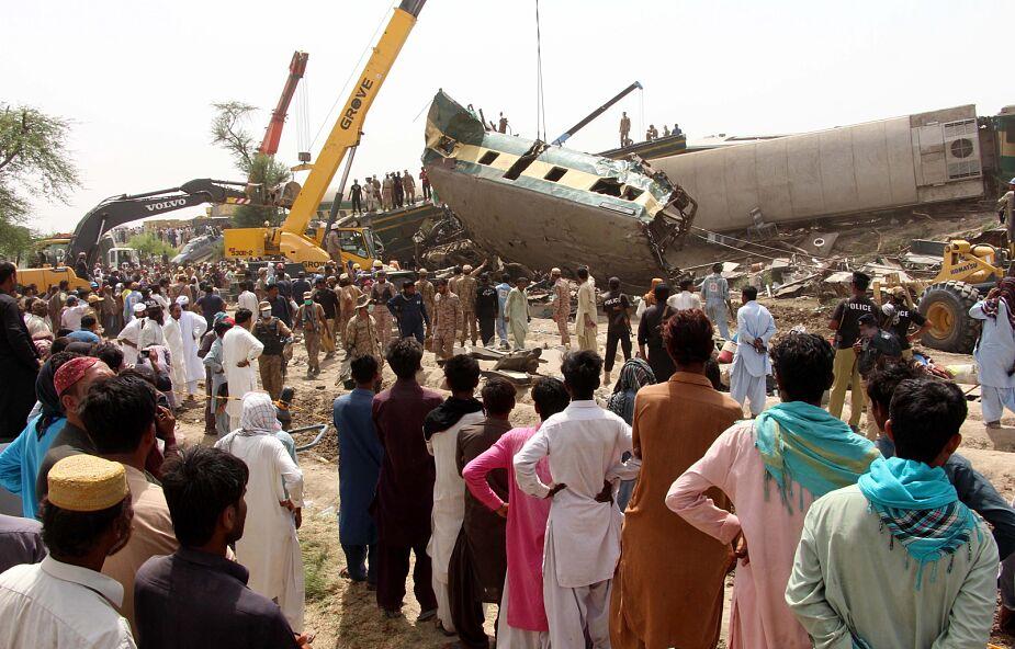 Pakistan: co najmniej 40 osób zginęło w katastrofie kolejowej