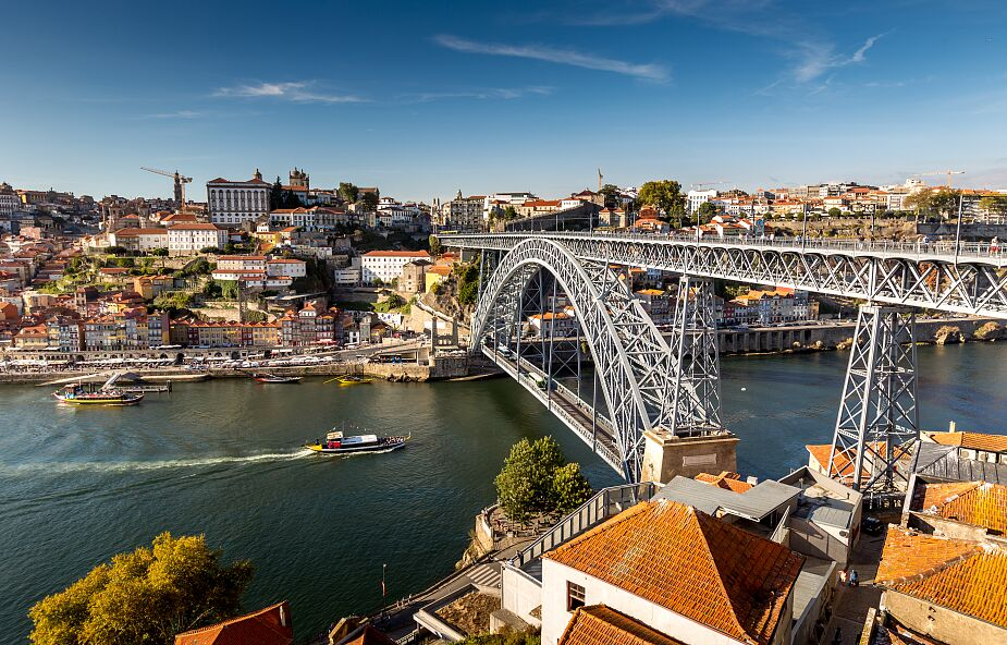 Portugalia otwiera się na turystów. Będzie przyjmować turystów z paszportami covidowymi