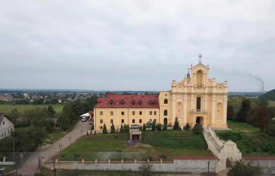 Ukraina: klasztor i kościół karmelitów zwrócono katolikom