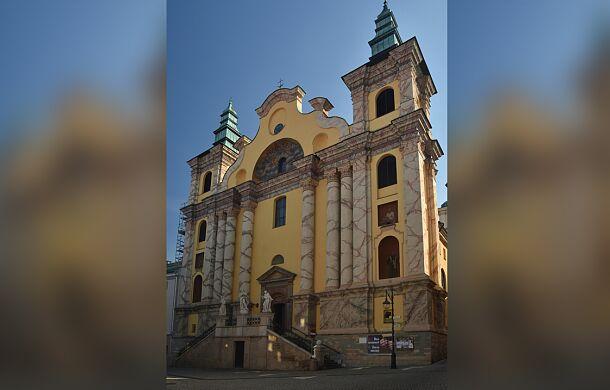 Niezwykłe odkrycie w kościele w Przemyślu. Pod podłogą znajdowały się nikomu nieznane rzeźby