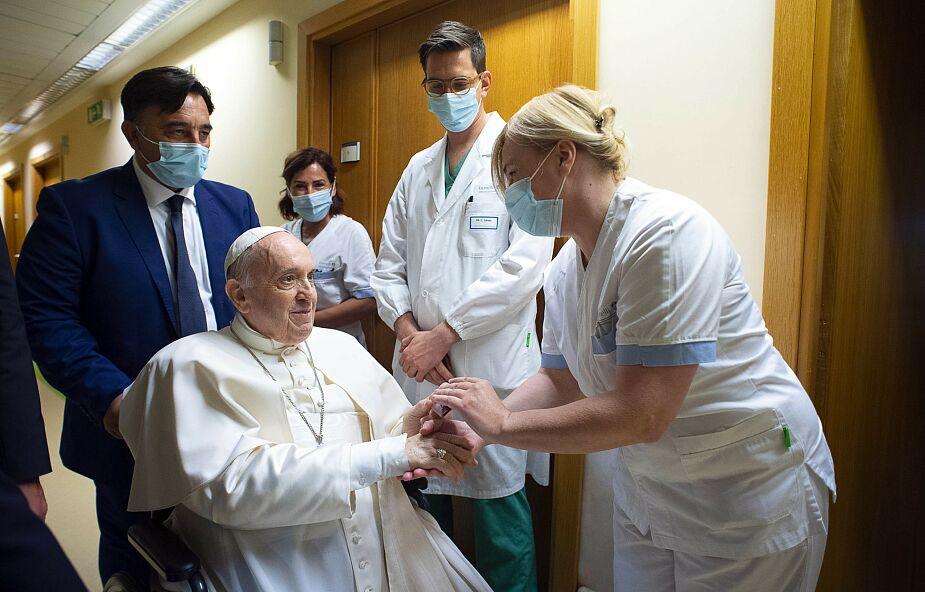 Franciszek opuścił szpital