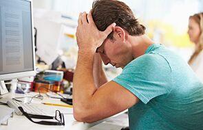 Młodym osobom z wyższym wykształceniem maleją szanse na znalezienie pracy