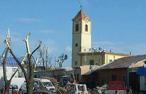 Ten czeski kościół niedawno został zniszczony przez tornado. Z belek dachu powstanie krzyż na papieską pielgrzymkę