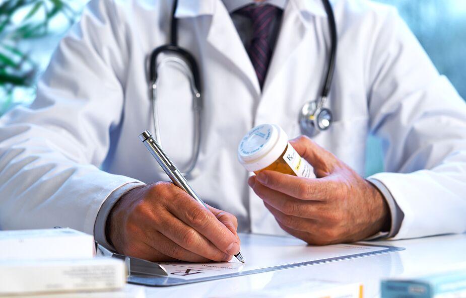 Rozpoczęły się testy tabletki przeciwko Covid-19. Lek będzie gotowy jeszcze w tym roku