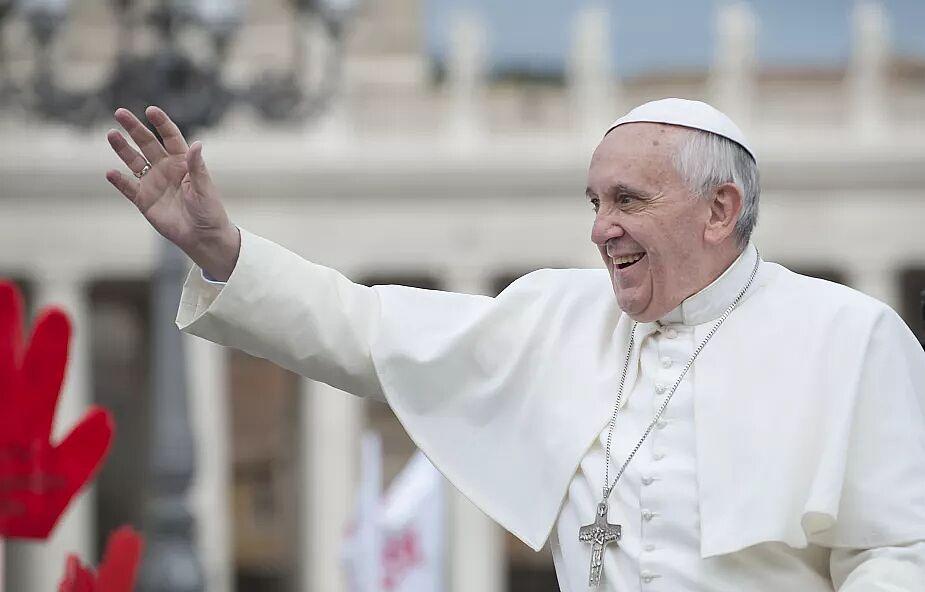 """Modlitwa """"Ojcze nasz"""" przetłumaczona na język Romów w związku z wizytą papieża"""
