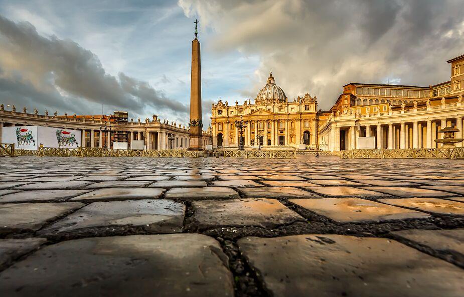 Bp Galantino: potrzebna większa przejrzystość w watykańskich finansach