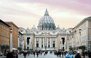 Do Watykanu z całego świata napływają życzenia i zapewnienia o modlitwie