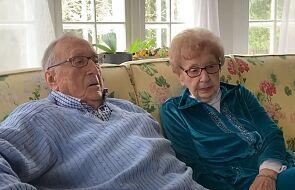 95-latkowie poznali się w czasie pandemii koronawirusa. Właśnie wzięli ślub