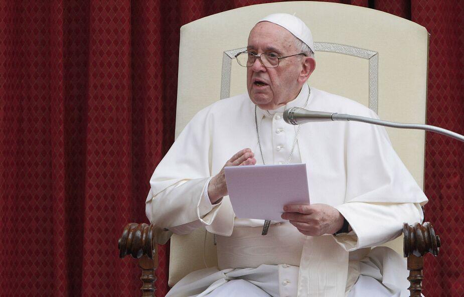 Papież Franciszek: Jak modlić się za tych, którzy nas irytują? Zrób to dziś!