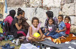 Wolontariusze wspólnot Sant'Egidio na wyspie Lesbos razem z migrantami