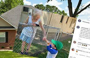99-letnia kobieta i dwuletni chłopiec nawiązali niezwykłą przyjaźń. Poznali się przez płot podczas pandemii