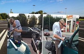 Ta historia obiegła sieć! 72-latek pomaga ludziom na przysklepowym parkingu