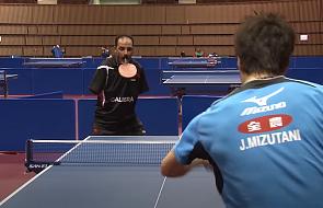 """Ibrahim Hamadtou gra w tenisa stołowego bez rąk. """"Bóg pomaga mi sławić mój kraj"""""""