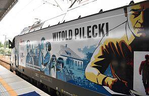 Wizerunek rtm. Pileckiego na lokomotywie pociągu Warszawa-Berlin