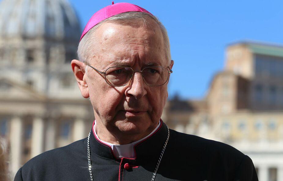 Abp Gądecki o synodzie: nikogo nie możemy wykluczać