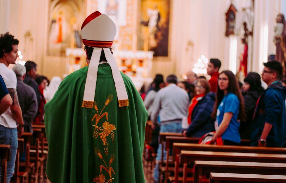 Paszport covidowy konieczny do udziału we mszy świętej? Episkopat podjął decyzję