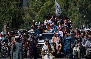 Studenci Uniwersytetu Amerykańskiego w Kabulu próbują uciec z Afganistanu
