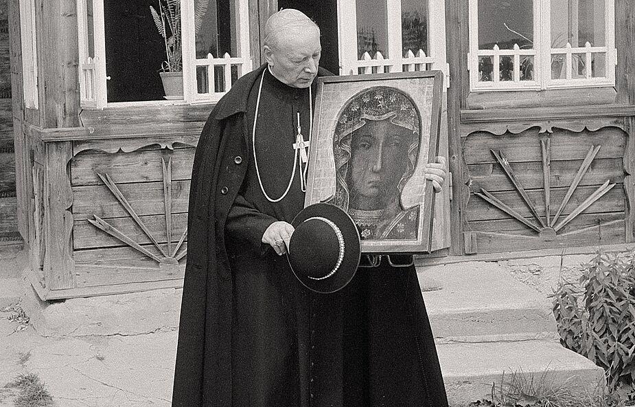 """Prymas i Maryja: """"Między nami jest Matka Najświętsza… Cała nadzieja w Niej"""""""