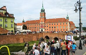 Za pozostaniem w Unii Europejskiej opowiada się 81 proc. Polaków. Wyniki sondażu